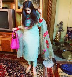 Best Trendy Outfits Part 33 Salwar Designs, Kurti Designs Party Wear, Blouse Designs, Dress Indian Style, Indian Dresses, Indian Outfits, Salwar Dress, Salwar Suits, Punjabi Suits Party Wear