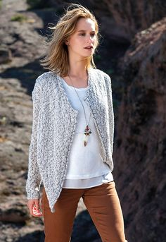 MISS CAPTAIN - CARDIGAN MAILLE + T-SHIRT + PANTALON TABAC