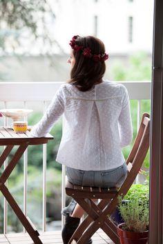 L'arrivée du printemps est l'occasion de ressortir les blouses légères, aux matières fluides et aux tissus colorés mais aussi de renouveler sa garde-robe, pour l'enrichir de jolie…
