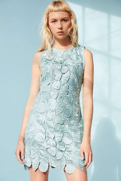 Kimchi Blue Shelly Shift Dress - Urban Outfitters