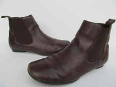 Born Brown Leather Chelsea Slip on Ankle Boots sz 6