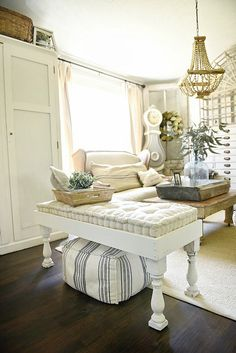 Super simple DIY farmhouse bench - a great pin to make a diy farmhouse bench great for a living room, porch, dining room, end of a bed, & so much more!