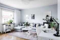 Blog wnętrzarski - design, nowoczesne projekty wnętrz: Skandynawska kawalerka 38m2 Gravity Home, Mid Century House, Couch, Sofa, Living Room Inspiration, Studio Apartment, Decoration, Home Projects, Sweet Home