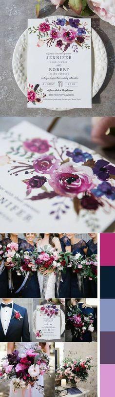 Colores sombríos como el ultra violeta y otros púrpuras en una invitación de bodas con diseños florales.