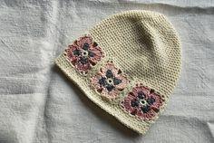 Ravelry: capucino's Crochet hat with flowers