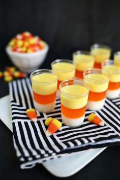 I don't think I have seen such a creative jello shot before! Who would have thought to make Candy Corn Jello Shots for a Halloween party? They're fun and delicious. Halloween Cocktails, Halloween Snacks, Halloween Jello Shots, Hallowen Food, Halloween Punch, Theme Halloween, Halloween Food For Party, Halloween 2018, Halloween Cupcakes