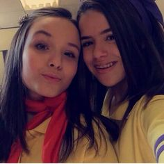 Larissa Manoela e Maísa Silva Larissa Manoela, Carrossel, Filme, Selfies 6e06f9f34d