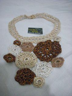 colar mandalas em fio de seda