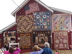 Buggy Barn outdoor quilt show