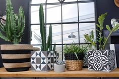 DIY : un cache-pot vintage Diy Cement Planters, Cement Tiles, Beton Diy, Home And Deco, Home Staging, Cool Diy, Potted Plants, Decoration, Interior Design Living Room