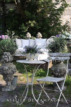 Classic french style crossing over to refined shabby chic! - Atelier de campagne