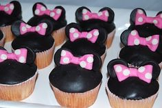 Leelees Cake-abilities: Minnie Mouse Cake, Cookies, Cupcakes and other sweets!