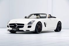 Mercedes SLS AMG z pewnością powoli zasługuje na miano auta kultowego!  Świetnym przykładem jest prezentowany egzemplarz Brabus Classic. Kompletny zestaw modyfikacji składający się z zestawu aerodynamicznego, układu wydechowego oraz felg w połączeniu z nadwoziem roadster daje niesamowity efekt 😍  ✔ Oficjalny Dealer BRABUS Brabus JR Tuning http://www.brabus-jrtuning.pl/