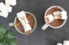 Warme chocolademelk met sneeuwpop van marshmallows Christmas Snacks, Christmas Baking, All Things Christmas, Winter Wonderland Party, Tapas, Marshmallows, Apple, Cake, Recipes