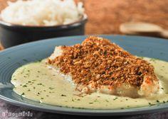 Bacalao con pan de coco sobre crema de avellanas y ajo - L'Exquisit
