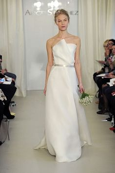 Angel Sanchez 'N10020' Size 10 Sample Wedding Dress - Nearly Newlywed