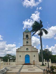 Igreja de Viñales, em Pinar del Rio - Cuba © Viaje Comigo Vinales, Cuba, Rio, San Francisco Ferry, Building, Travel, Traditional Homes, Bullock Cart, Boating