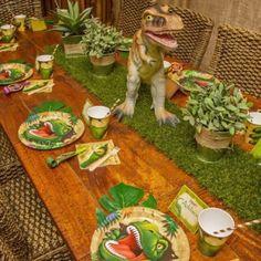 Los Dinosaurios  siempre estarán presentes en el juego de los niños y decorar una fiesta de cumpleaños con Dinosaurios  no tiene pierde. A l...