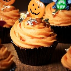 October's Halloween Spooky Special Recipe Club Competition is now open! Enter now to win all the ingredients to Rachel Green's Halloween Cupcakes.