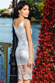 Descopera Rochie baby-doll rosie Rn produs in atelierul Atmosphere Fashion, brand de croitorie din Romania. Atmosphere Fashion, Gray Dress, Bodycon Dress, Romania, Dresses, Grey, Style, Waves, Chart