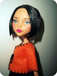 Vicky (OOAK Monster High Cleo) by vanelg1 repaint by Sandra (AWESOME!!!!)