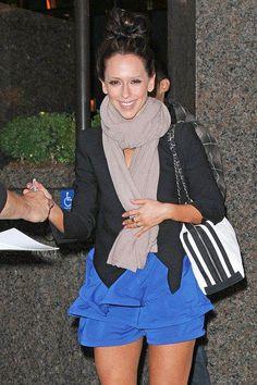 Jennifer Love Hewitt, classy, chic, casual
