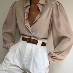 The photos are meant to be indicative of the quality of the coin you will receive. Trend Fashion, Look Fashion, Womens Fashion, Classy Outfits, Vintage Outfits, Casual Outfits, Fashion Vintage, Mode Outfits, Fashion Outfits