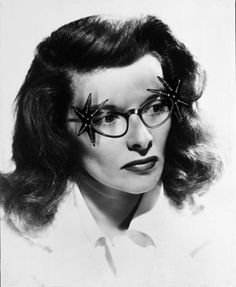 Katherine Hepburn in Cateye glasses with big star embellishments Old Hollywood Glamour, Hollywood Stars, Ray Ban Sunglasses Outlet, Sunglasses Women, Star Costume, Katharine Hepburn, Wearing Glasses, Cat Eye Glasses, Iconic Women