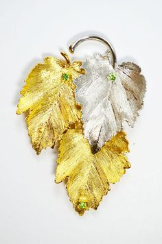 Gold Silver Tone Peridot color Rhinestones Brooch Pin Maple Leaf