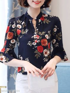 V Neck Printed Bell Sleeve Blouses - Fashion Style Half Sleeves, Types Of Sleeves, Cheap Womens Tops, Collars For Women, Bell Sleeve Blouse, Trendy Tops, Blouse Styles, Casual, Ideias Fashion
