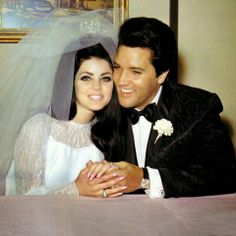 Net Image: Priscilla Presley and Elvis Presley: Photo ID: . Picture of Priscilla Presley and Elvis Presley - Latest Priscilla Presley and Elvis Presley Photo. Elvis Y Priscilla, Lisa Marie Presley, Priscilla Presley Wedding, Celebrity Couples, Celebrity Weddings, Die Beatles, Jonathan Rhys Meyers, Famous Couples, We Are The World