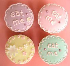 """""""eat me"""" alice in wonderland cupcakes"""