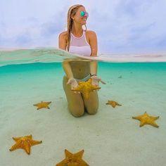 Mientras ... en playa de las estrellas Guna Yala ..  // Stars Beach in Guna Yala…
