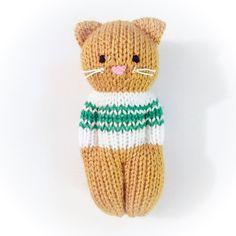 Kitty Friends-Muster von Esther Braithwaite - Knitting for beginners,Knitting patterns,Knitting projects,Knitting cowl,Knitting blanket Knitted Doll Patterns, Animal Knitting Patterns, Knitted Dolls, Crochet Toys, Crochet Patterns, Animal Patterns, Knitting For Charity, Baby Knitting, Free Knitting