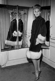 Tippi Hedren in Pierre Cardin, 1963 Look Vintage, Vintage Beauty, Vintage Ladies, Vintage Vibes, Tippi Hedren, Pierre Cardin, Divas, Haha, Vintage Outfits