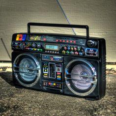 Retro Blaster iPod Boombox by Lasonic