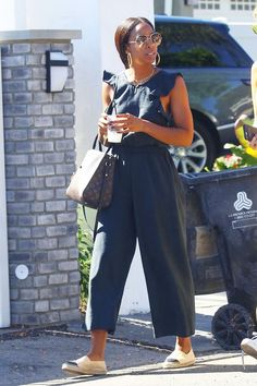 Chanel espadrilles: Kelly Rowland wearing Chanel espadrilles with a jumpsuit Hipster Grunge, Grunge Goth, Chanel Espadrilles Outfit, Lace Up Espadrilles, Chanel Shoes, Fashion Models, Denim Fashion, Star Fashion, Fashion Outfits