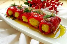 Hafif sofraların baş taçlarından biri olacak nefis mi nefis bir meze fikrimi… We have the idea of a delicious appetizer that will be one of the crowns of light tables. Here is the recipe of paprika wrap.