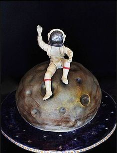 SPACE PARTY!  MOON CAKE Cake Wrecks - Home - Sunday Sweets... In...SPAAAACE!
