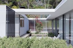 House for Julius Shulman by Raphael Soriano