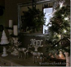 Christmas Décor in the Entry