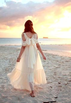 1000 ideas about sunset wedding theme on pinterest for Beach themed wedding dress