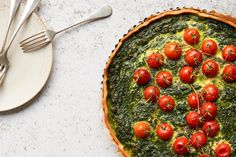 Spinatwähe mit Tomaten Cooking With Kids, Easy Cooking, Cooking Time, Vegetarian Cheese, Vegetarian Recipes, Healthy Recipes, Delicious Recipes, Spinach Quiche, Chopped Spinach