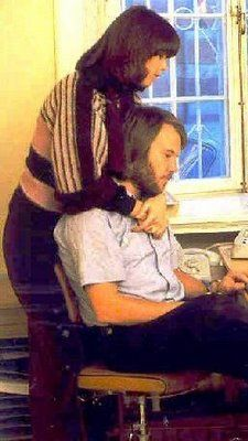 The ABBA members a Frida and Benny at Polar offices in the autumn of Abba Gold Greatest Hits, Life In The 70s, Frida Abba, Abba Mania, Rock Groups, Popular Music, Kinds Of Music, King Queen, Pop Music