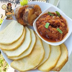 Fried Yam and fish with tomato stew Nigeria Food, Ghana Food, African Yams Recipe, African Recipes, Nigerian Soup Recipe, West African Food, Haitian Food Recipes, Caribbean Recipes, I Love Food