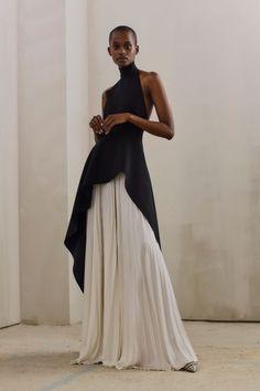 fall beauty The complete Solace London Pre-Fall 2019 fashion show now on Vogue Runway. Black Women Fashion, Look Fashion, Runway Fashion, High Fashion, Fashion Show, Autumn Fashion, Womens Fashion, Ladies Fashion, Cheap Fashion