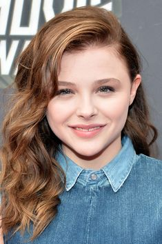 Chloe Grace Moretz - Curled Hairstyle