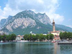 En ce long week end de trois jours, je vous emmène en voyage en Italie, oùj'ai passé 4 jours à Milan et sur les grands lacs.Je n'ai que récemment entendu