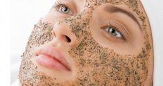 Veja como acabar com os pelos encravados, cravos, espinhas e ter uma pele impecável usando produtos naturais.. Aprenda dez receitas de esfoliantes caseiros.