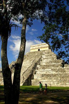 View of El Castillo, the main building of Chichen Itza, Mexico.